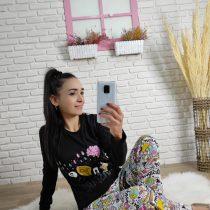 Renkli baskılı pijama takımı (siyah )